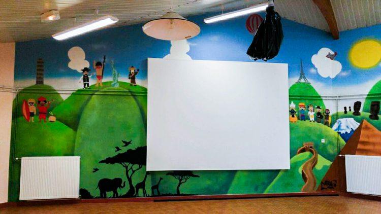décoration salle de réunion école graffiti